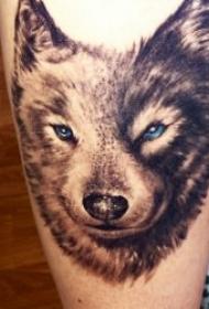 狼纹身    9张凶猛却又残暴的狼纹身图案