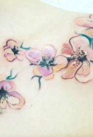 花朵纹身图案 女人身体各个部位彩绘水墨等风格的花朵纹身图案