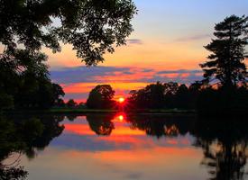 清新养眼湖畔风景桌面壁纸欣赏