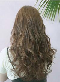 一组女生发型与发色图片欣赏