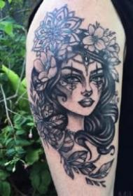 曼陀罗女人纹身 9款女郎和曼陀罗搭配的纹身图案