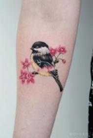 鸟纹身 9张很可爱的小清新小小鸟纹身图案