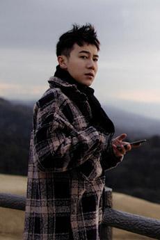 明星帅哥郭子渝图片旅拍写真图片