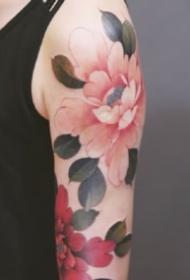 好看的一组传统牡丹花纹身图片
