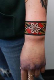 欧美臂环纹身 18组好看的臂环脚环纹身图案