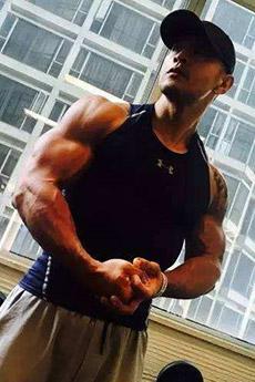 明星帅哥刘承俊肌肉写真图片