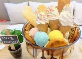 夏天需要这么大的水果冰淇淋才够过瘾吧