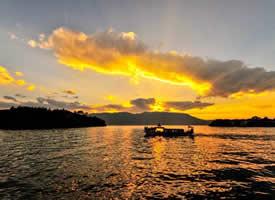 一组黄昏时分的苍山洱海图片欣赏