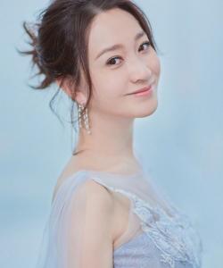 李小冉电视剧品质盛典甜美写真图片