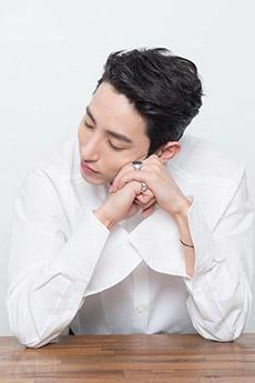 清秀的韩国帅哥照片