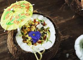 椰子也有不同种类的新鲜吃法