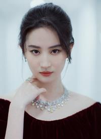刘亦菲性感优雅写真图片欣赏
