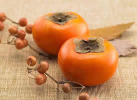 金黄且别有一番风味的柿子图片