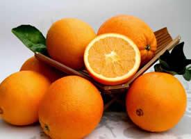 果面橙红色且果皮光滑脐橙图片