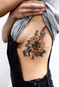 一组9张漂亮的向日葵纹身图片