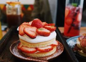 一组好看又好吃的草莓蛋糕图片