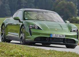 一组绿色好看的Porsche Taycan图片欣赏
