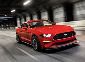 福特野马拉风红色跑车高清图片欣赏