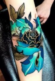 传统的9款漂亮牡丹花纹身图片