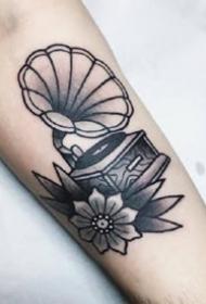 一组黑灰欧美男生手臂纹身图案欣赏