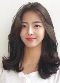 一组气质温柔的女生卷发发型图片 