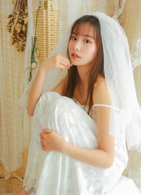 婚纱美女蕾丝吊带性感写真图片