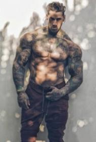 纹身型男图片 9款肌肉纹身帅哥的图片欣赏