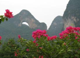 秀美的桂林月亮山