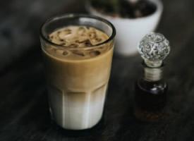 香醇浓郁的奶茶图片
