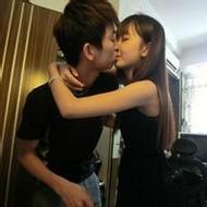 唯美意境非主流情侣接吻微信头像图片