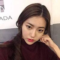 霸气又漂亮的韩国女生自拍微博头像