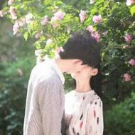 甜蜜浪漫的情侣唯美接吻微信头像图片
