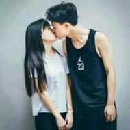 清新韩国风范的情侣qq接吻头像图片