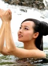 张嘉倪曝美人如画剧照 沐浴画面惊艳