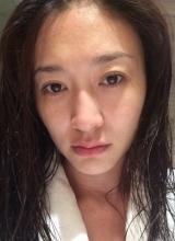 人妻李小冉素颜自拍 剔透肌肤获网友点赞
