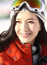 江疏影全新冬日写真 温暖笑容小清新