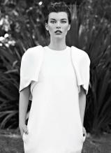 时尚女王米拉·乔沃维奇Flare写真
