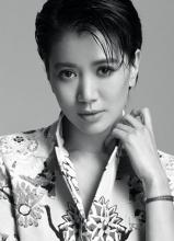 袁咏仪黑白率性写真 演绎辣妈风采