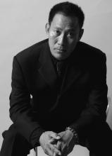 吴京安黑白写真