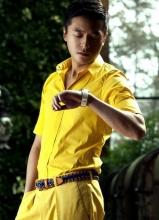朱雨辰登《时装男士》 变身商务时髦型男