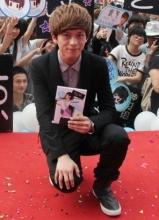 武艺长沙举行首张大碟签售会 三千销量人气冲顶