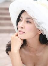 金素妍甜美成熟婚纱写真