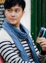 张智霖拍新广告 担任咖啡代言人