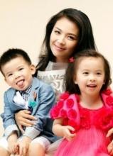 刘涛晒海量素颜亲子照 一双儿女英俊秀气