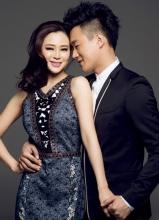 佟大为关悦庆婚六周年杂志写真