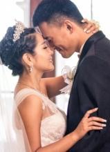 何洁单曲我们结婚吧MV曝光 再现甜蜜婚礼
