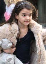 阿汤哥女儿苏瑞皮草现身显时尚