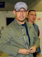 导演姜文便装赴戛纳 宣传电影一步之遥