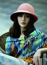 姚笛变身色彩达人  时尚女性魅力十足