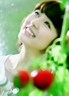 尹恩惠果园俏皮甜美写真 娇俏可爱小女生